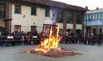 Giubiana a Mariano successo per il tradizionale falò in Penna Nera VIDEO