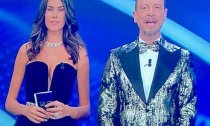 """La fidanzata di Valentino Rossi, il """"suo"""" Festival di Sanremo: bellezza e semplicità sul palco"""