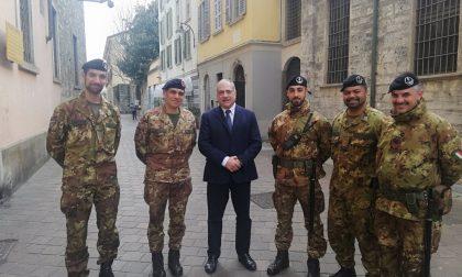 Strade Sicure, i militari restano a Como: visita del comandante in città FOTO