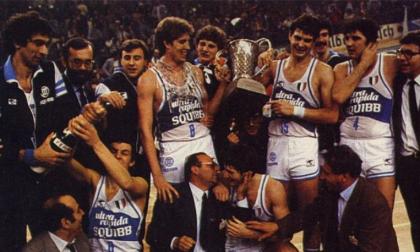 Pallacanestro Cantù il 25 marzo 1982 la Squibb vinse la prima Coppa dei campioni
