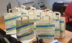 Se i bimbi non vanno a scuola, la scuola va da loro: a Casnate un kit con libri e astuccio agli alunni della materna