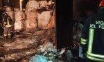 Incendio all'alba in ditta, pompieri a Locate Varesino