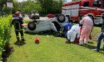Auto rimane senza benzina, tamponata da un furgone va a finire nel fosso FOTO e VIDEO