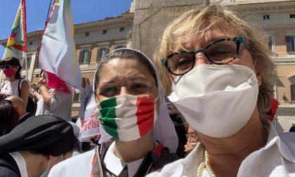 La senatrice erbese Erica Rivolta presente alla manifestazione delle scuole private davanti a Montecitorio
