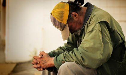 """Como Accoglie scrive alla città: """"Aiutateci ad aiutare, non abbiamo più un luogo per depositare le coperte dei senzatetto"""""""