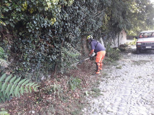 """Volontari della Protezione Civile dell'ANA di Como ripuliscono il Parco delle Rimembranze. Turba: """"I nostri volontari sono sempre presenti"""""""