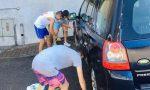 """Adolescenti ai """"Lavori utili"""" per raccogliere fondi a sostegno dell'oratorio di Villa Guardia"""