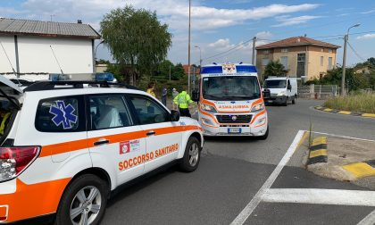 Ciclista ferito in un incidente in via per Fenegrò