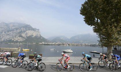 A Como arriva il Giro d'Italia under 23: lungolago temporaneamente chiuso