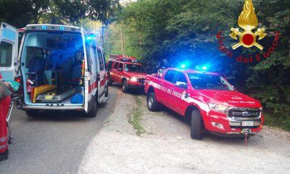 Escursionista si ferisce nei boschi di Brenna: portata in salvo