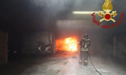 Incendio autovettura a Cagno: arrivano i Vigili del fuoco FOTO