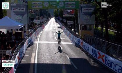 Giro di Lombardia, vince Jakob Fuglsang. Che spettacolo le riprese di Como in tv