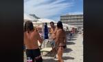 Polemica in spiaggia tra il vicesindaco di Proserpio e Salvini VIDEO