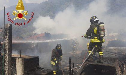 Incendio in campeggio a Sorico soccorsi due Vigili del fuoco FOTO