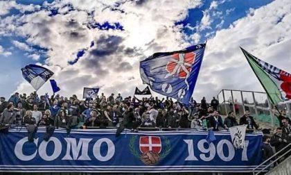 Como calcio la Curva Como 1907 resta fuori dallo stadio ma farà il tifo
