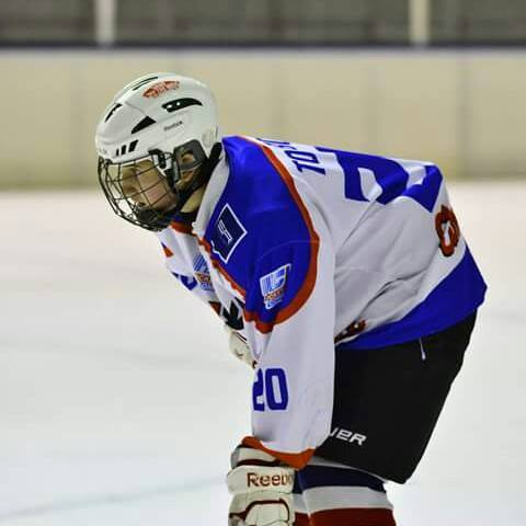 Hockey Como Dominic D'Agate