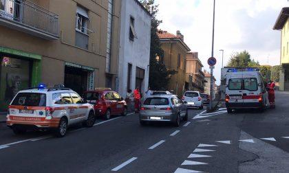 Incidente a Cantù moto tampona un'auto: ferito un 15enne
