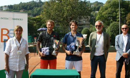 Tennis Como Andrea Arnaboldi vince il derby in famiglia e alza il Trofeo del Novantesimo