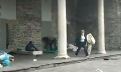 """L'assessore toglie la coperta al senzatetto. La sua versione: """"Su di me fango non giustificato"""""""