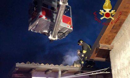 Eupilio, incendio di una canna fumaria: Vigili del fuoco in via Cornizzolo