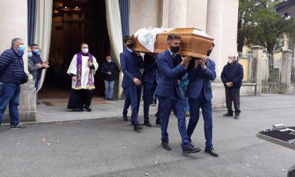 Merone saluta don Luigi Martino Colombo