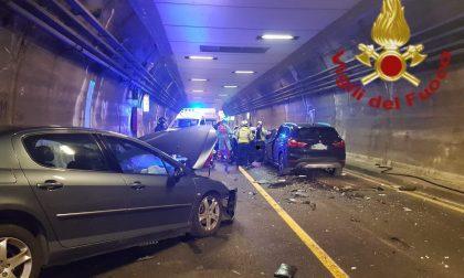 Terribile schianto a Cernobbio: incidente tra tre veicoli, galleria riaperta FOTO