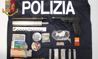 Arresto a Cantù: 57enne aveva un arsenale in auto e a casa FOTO
