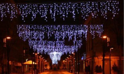 """Luminarie natalizie: """"Un simbolo per sostenere i commercianti locali"""""""