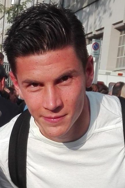 Calcio Matteo Pessina in azzurro