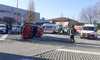 Incidente ad Albavilla: scontro tra un'auto e un furgone