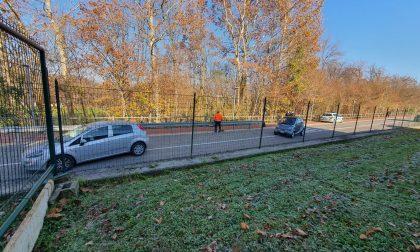 Incidente a Senna Comasco: auto finisce contro il guard rail