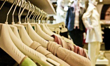 """Confesercenti Como contro i centri commerciali: """"Continuano a vendere abbigliamento"""""""