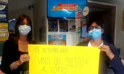 """Pesta una """"cacca"""" fuori dalla ricevitoria e gioca al lotto: erbese vince quasi 60 mila euro STORIE DI NATALE"""
