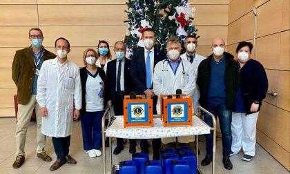 Il dono di Natale del Lions Club Monticello: sanificatori per la Pediatria del Sant'Anna e la Casa di Gabri