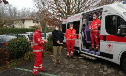 Una nuova ambulanza alla Croce Rossa di Cantù grazie a un'impresa di Cabiate