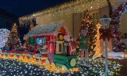 La casa di Babbo Natale accende Albiolo di speranza VIDEO