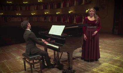 """Natale 2020, """"Cantique de Noël"""" per gli auguri in musica del Teatro Sociale di Como VIDEO"""