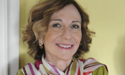 """Memoria, dolore e impegno civile: """"La presenza viva delle cose"""" è la sesta raccolta di Laura Garavaglia"""