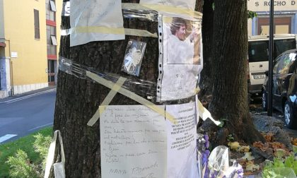 Spacca la foto di don Roberto in piazza San Rocco: denunciato ed espulso un indiano