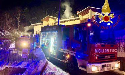 Paura a Bellagio per l'incendio di un tetto SIRENE DI NOTTE