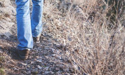 Comasco litiga con la moglie e percorre 450 chilometri a piedi