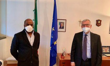 """Insulti razzisti all'infermiere, il Prefetto lo incontra: """"Emanuele merita i plauso di tutti"""""""