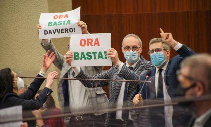 """Le opposizioni bloccano il consiglio regionale. Orsenigo (PD): """"Invece di darci risposte ci hanno espulso"""". Fermi: """"Le istituzioni non si fermano mai"""""""