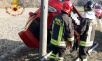 Si ribalta con l'auto: incidente a Fino Mornasco