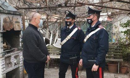 Nonno ruba cioccolatini per i nipotini: i Carabinieri gli pagano il conto