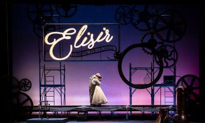 L'Elisir d'Amore del Teatro Sociale a Parigi (in francese)