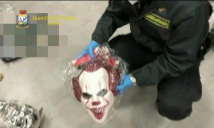 Sequestrati oltre 20mila giocattoli per Carnevale privi del marchio CE a Montano Lucino