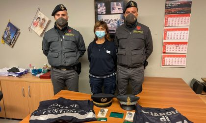 Voleva varcare il confine con due Rolex di contrabbando: sanzionato un italiano