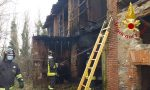 Incendio in un fabbricato in disuso a Fino Mornasco