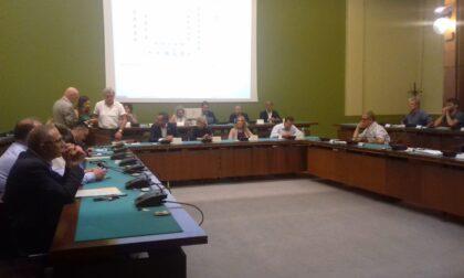 Hub vaccinale a Cantù: Consiglio comunale a favore dalla mozione